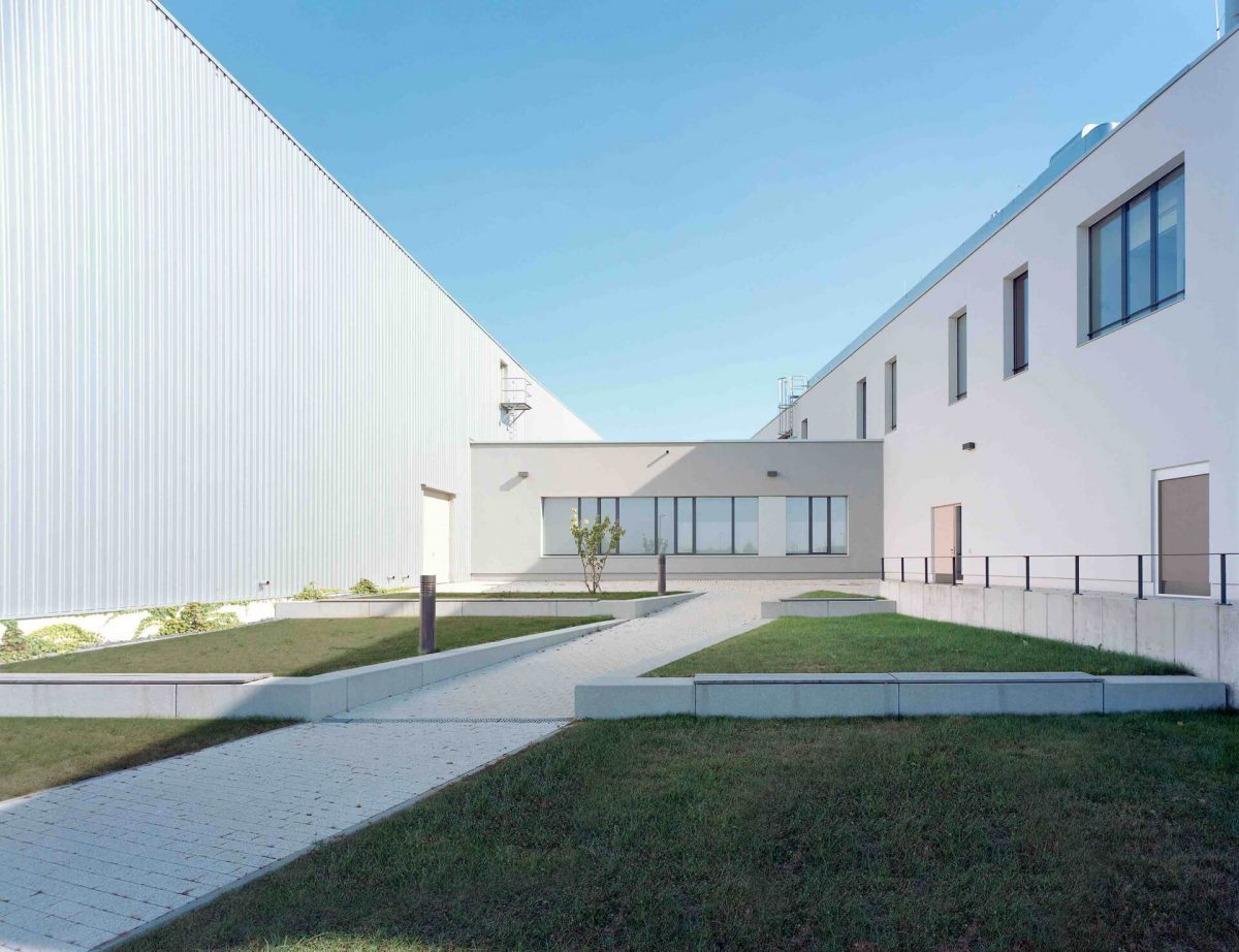 Blaurock-Landschaftsarchitektur-Plastic-Logic-GmbH-PLG